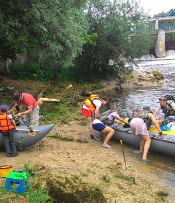 Сплав на катамаранах по реке Пахра.