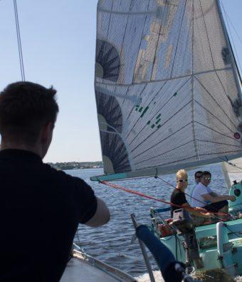 Парусная регата в яхт-клубе Элит Кроус для компании компании