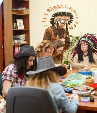 Новогодний тематический корпоратив «Ковбои VS Индейцы» для компании «В групп».